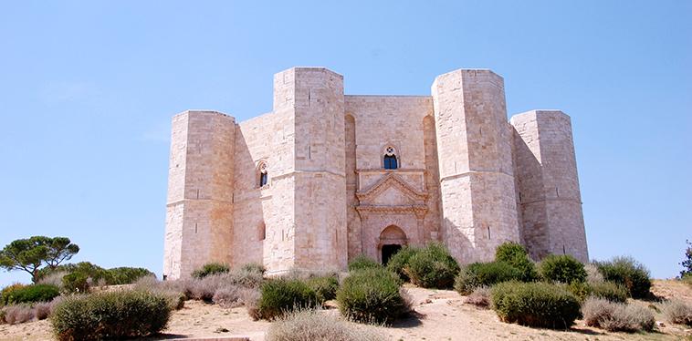 Elisabetta: i miei viaggi, Castel del Monte