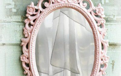 Qual é l'ultima volta che guardandoci allo specchio ci siamo dette …